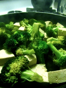 tofu & broccoli cooking